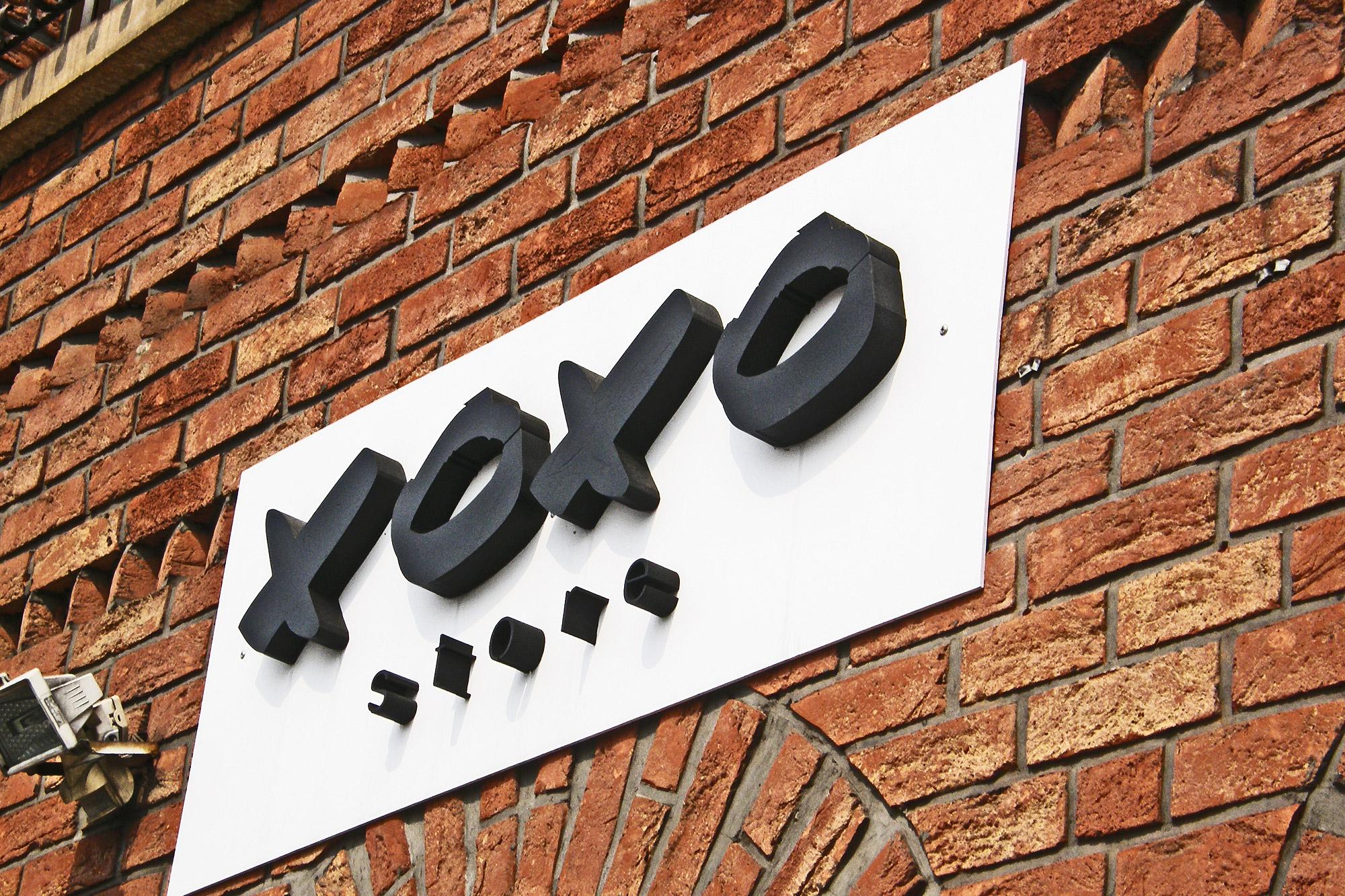 tablica reklamowa 3d trójwymiarowa przestrzenna xoxo