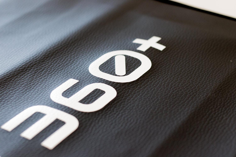 druk na skórzanych pokrowcach serwisowych samochodowych